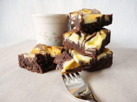 Márványos sajttortás brownie