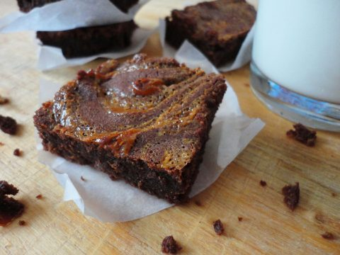 Karamellás brownie