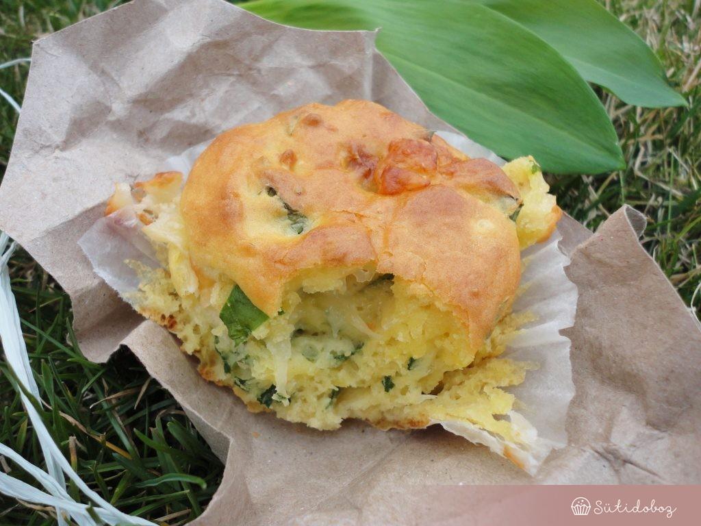 Medvehagymás muffin sajttal