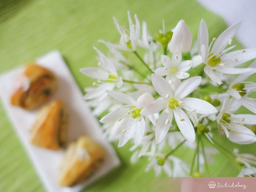 Medvehagyma virág