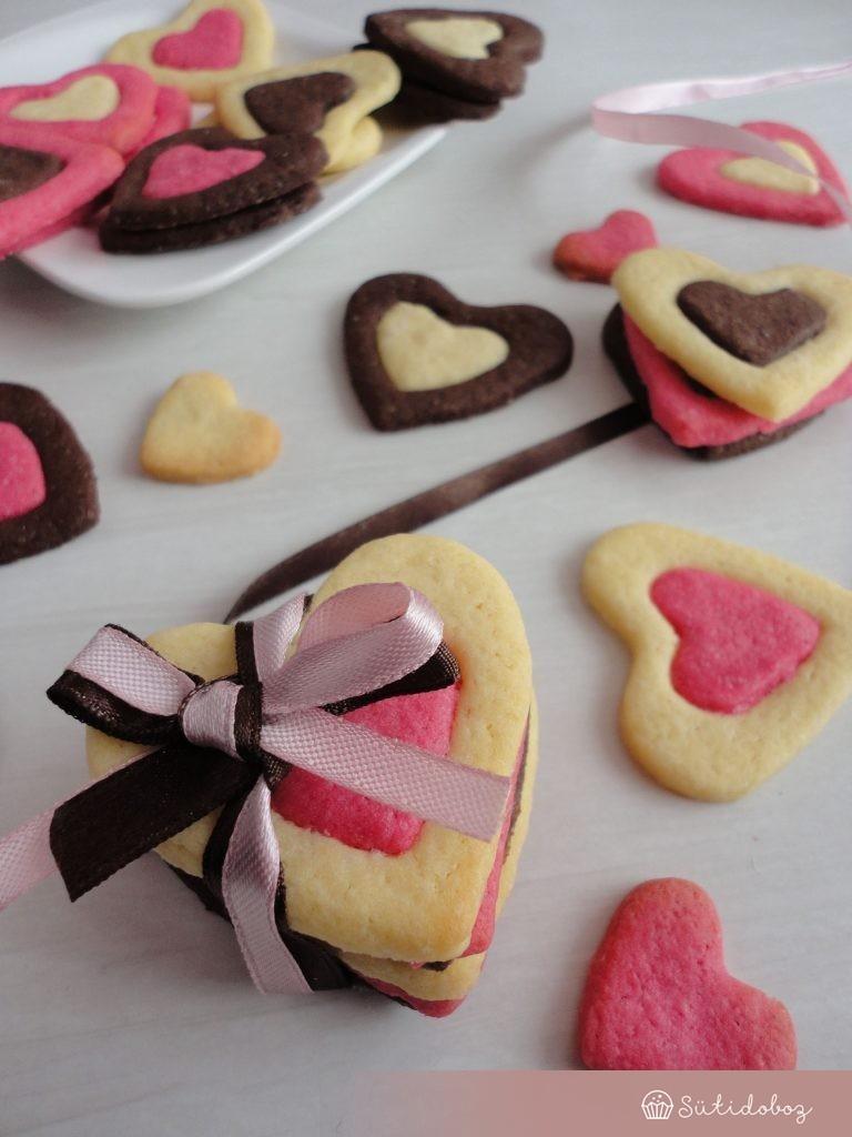 Színes szivecskés keksz