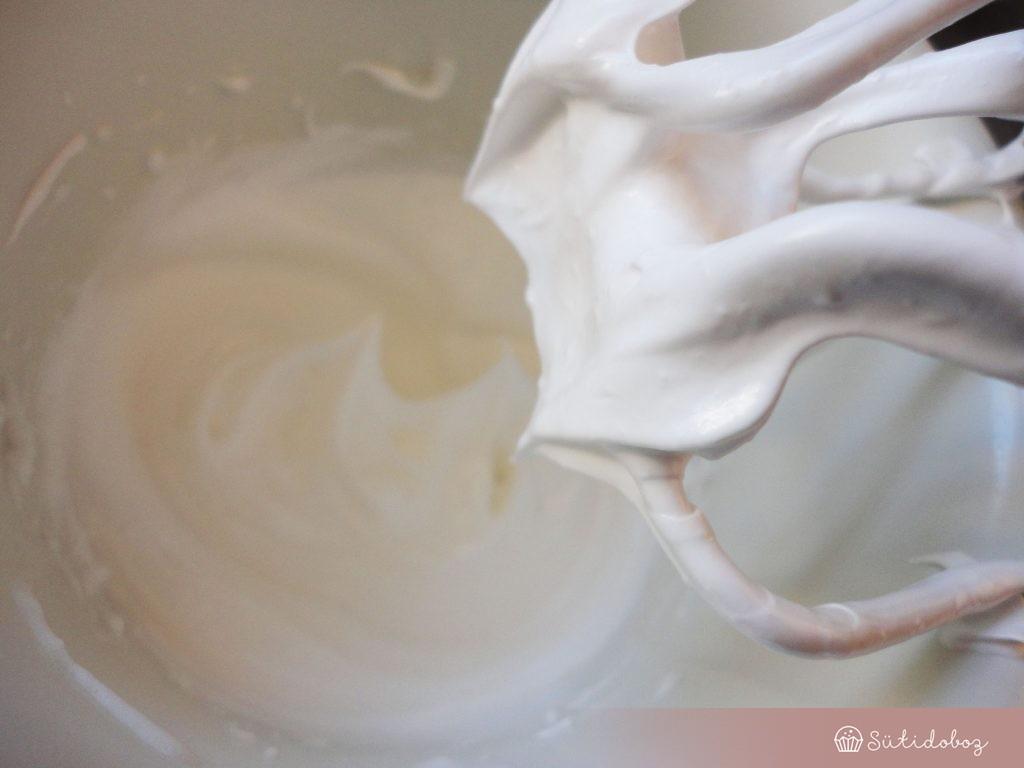 A fehérje hab