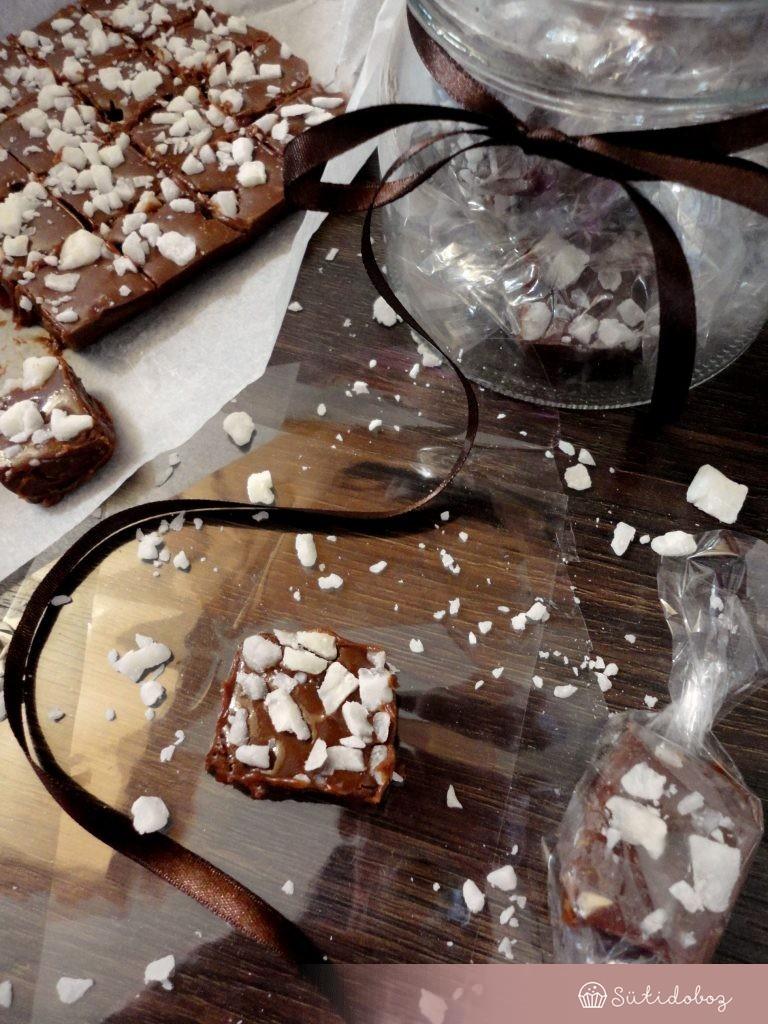 csokis-kókuszos fudge