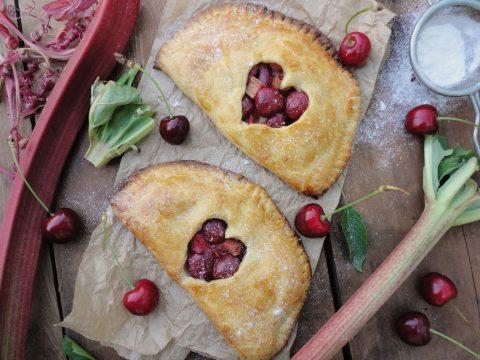 Cseresznyés-rebarbarás pite
