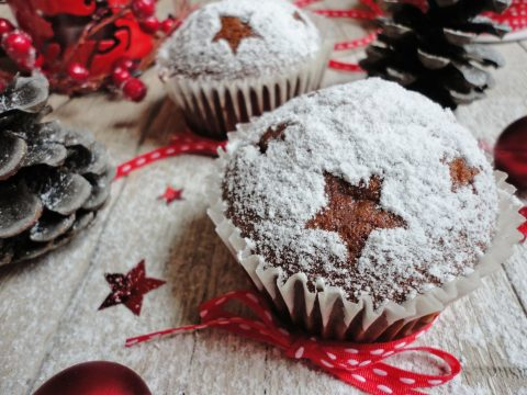 Gingerbread muffin sült almával