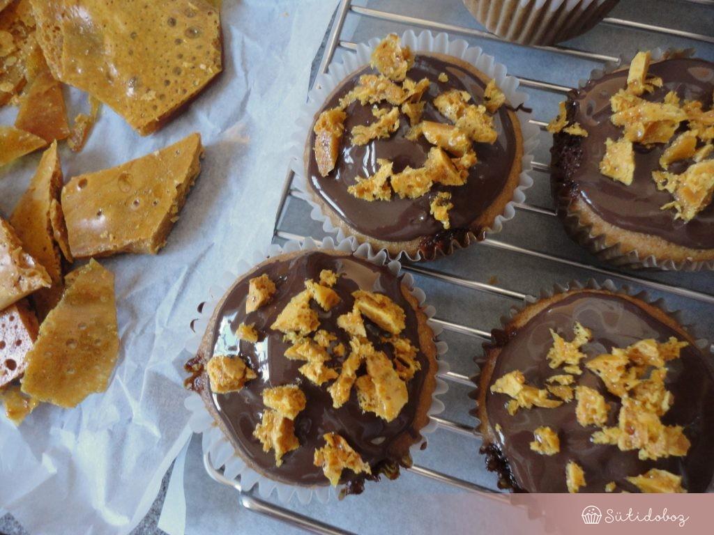 Megszórjuk törökmézzel a muffint