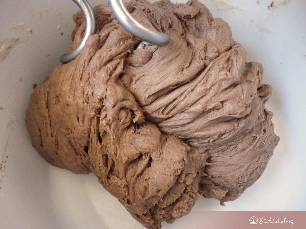 Csokis kalács tészta