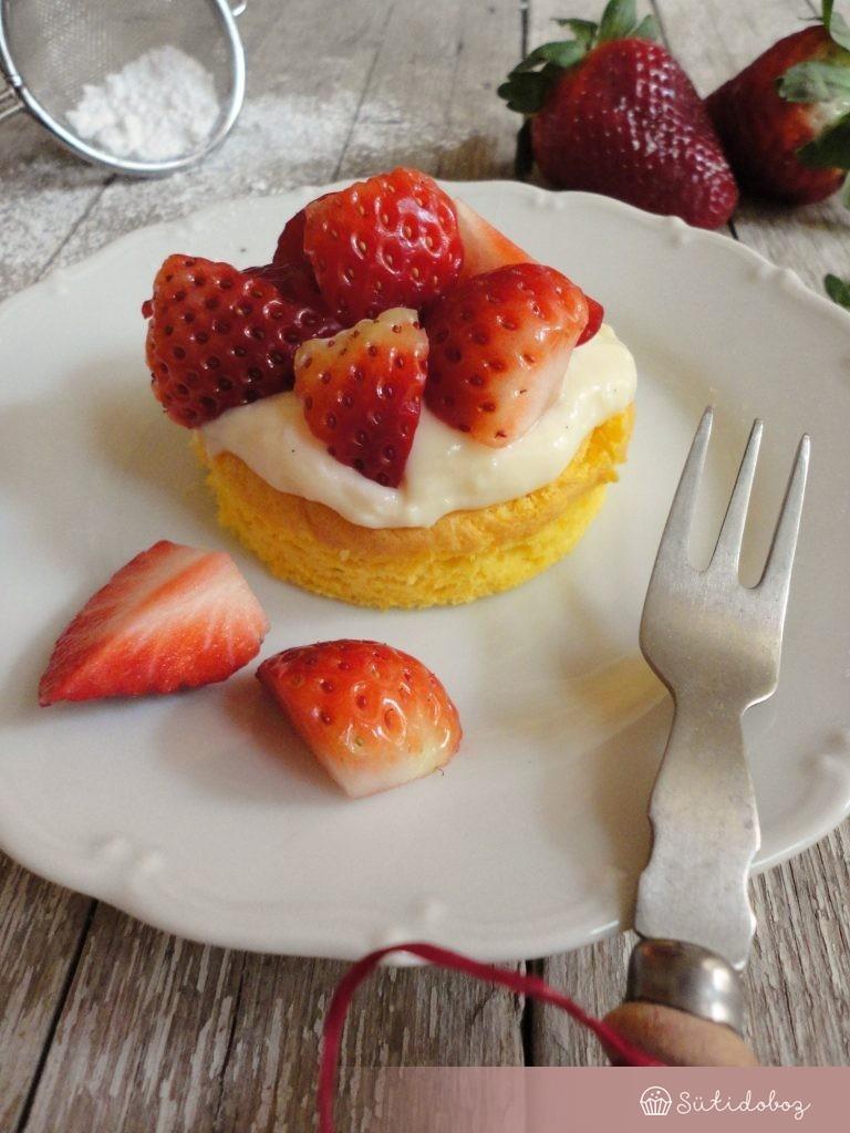 Könnyű epres tortácskák