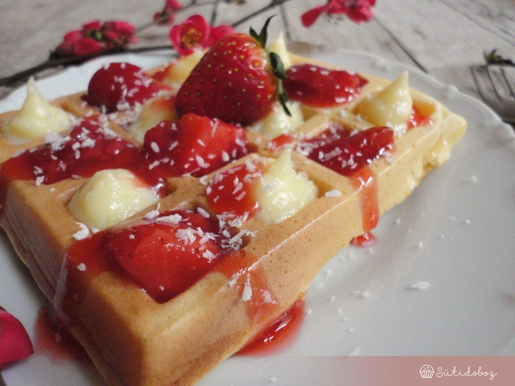 Waffle fehércsokival és eperrel