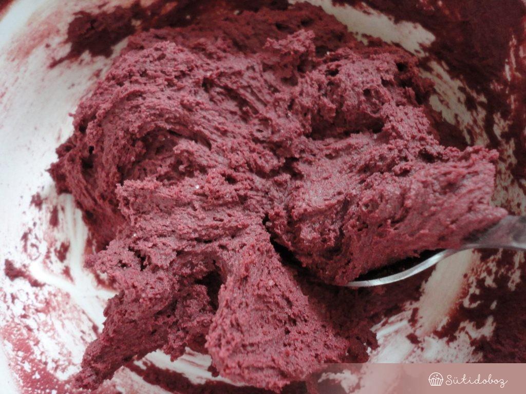 Red velvet keksz tészta
