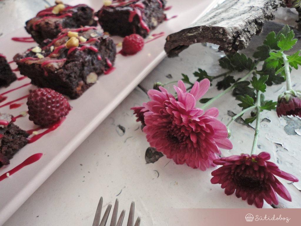 Céklás-málnás brownie