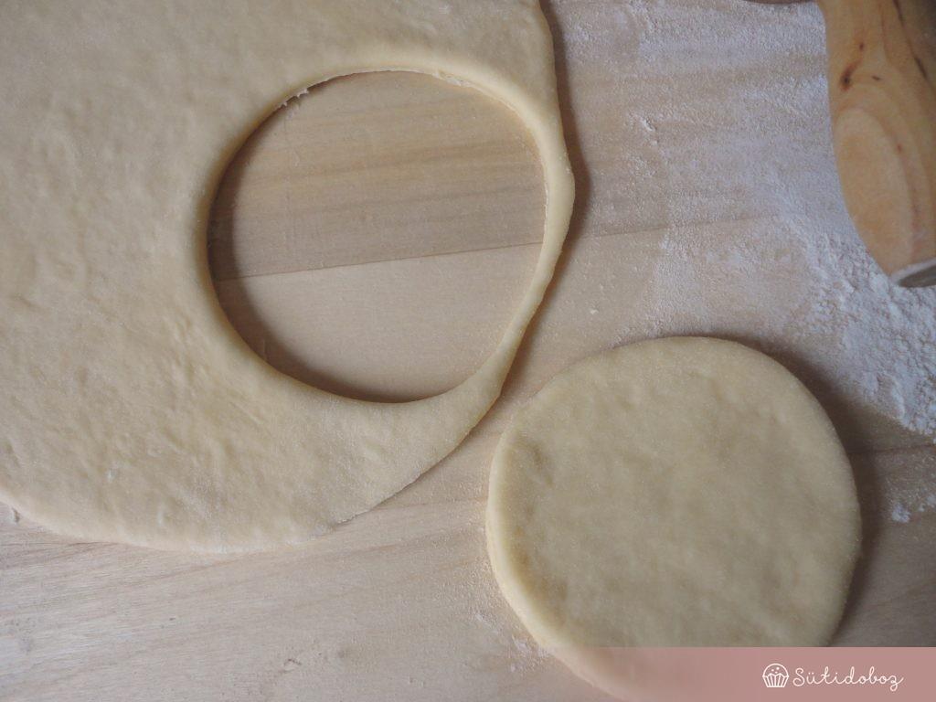 Szilvás batyu tésztája
