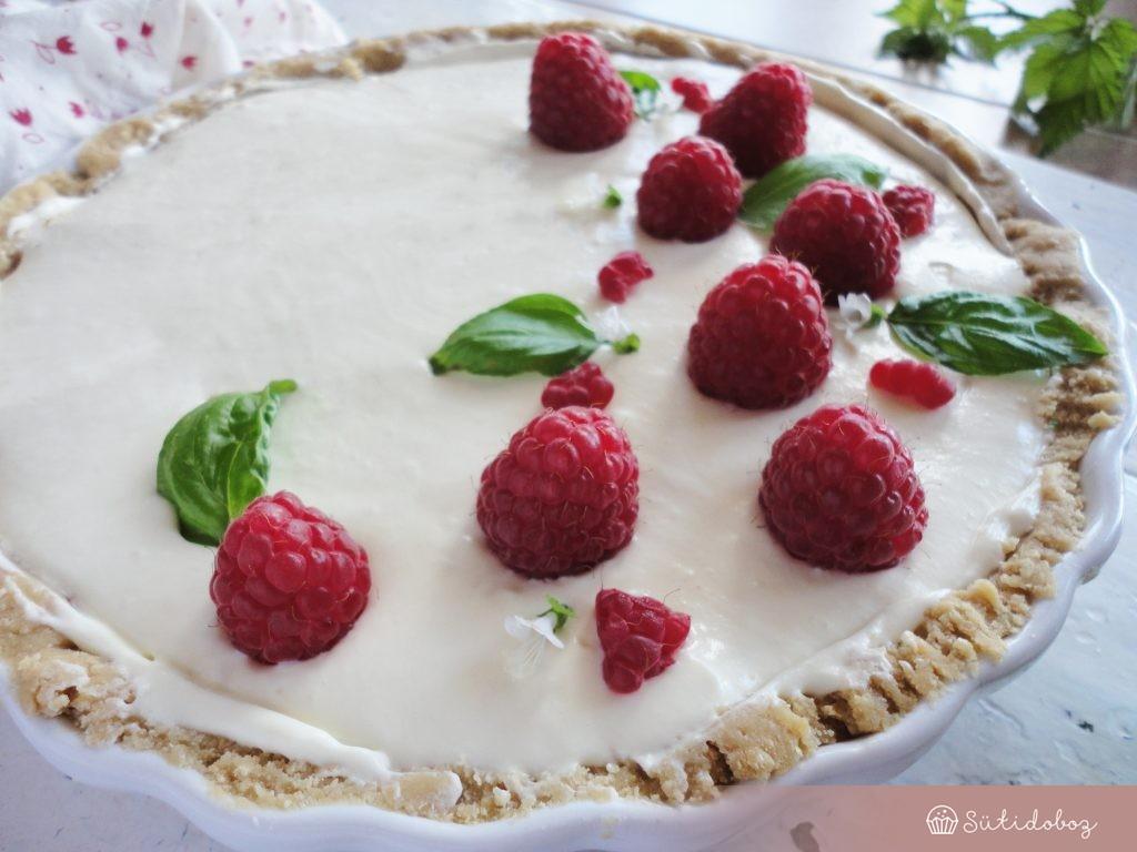 Málnás-bazsalikomos torta sütés nélkül