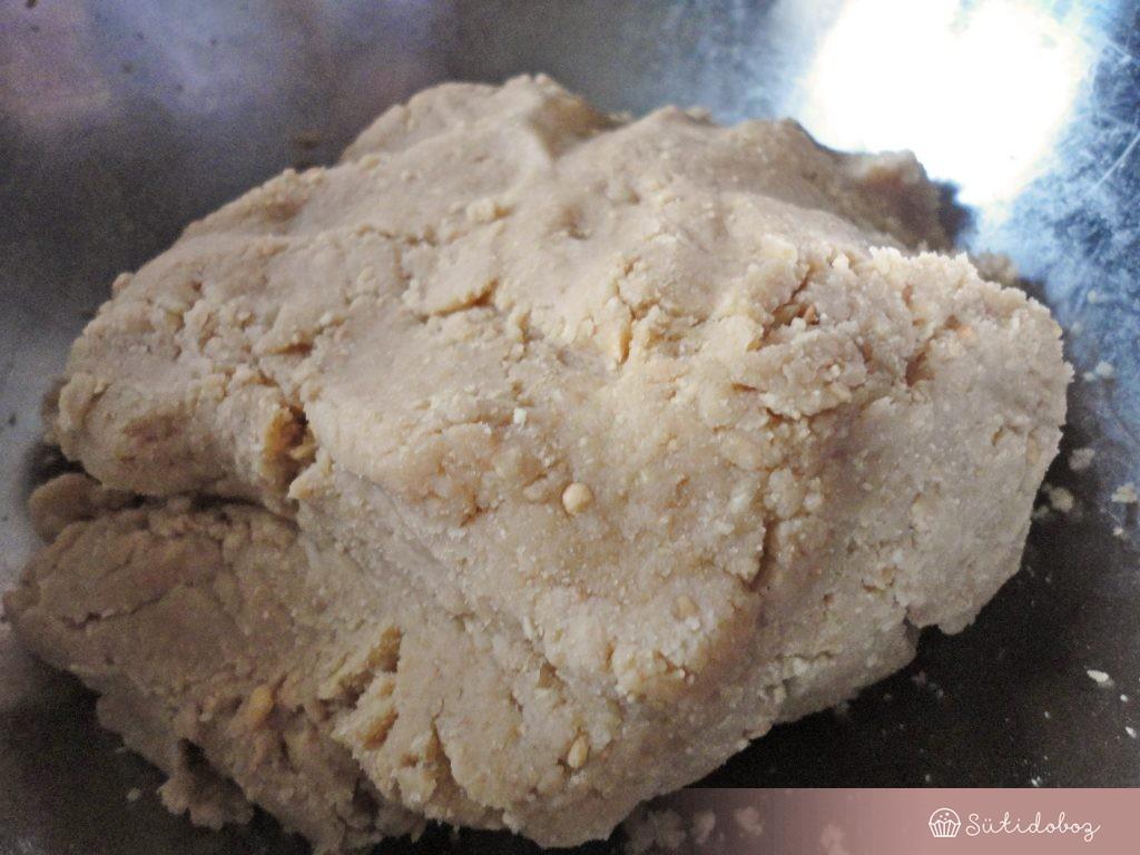 Málnás-bazsalikomos torta alapja