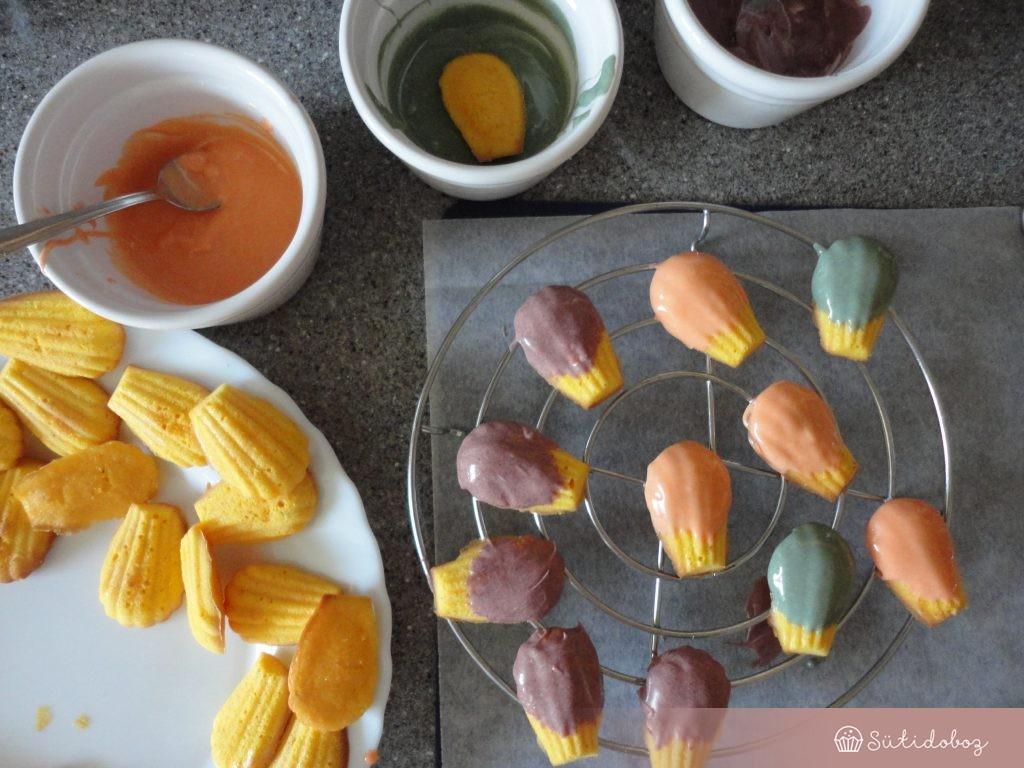 Sütőtökös-narancsos madeleine szörnyek dekorálása