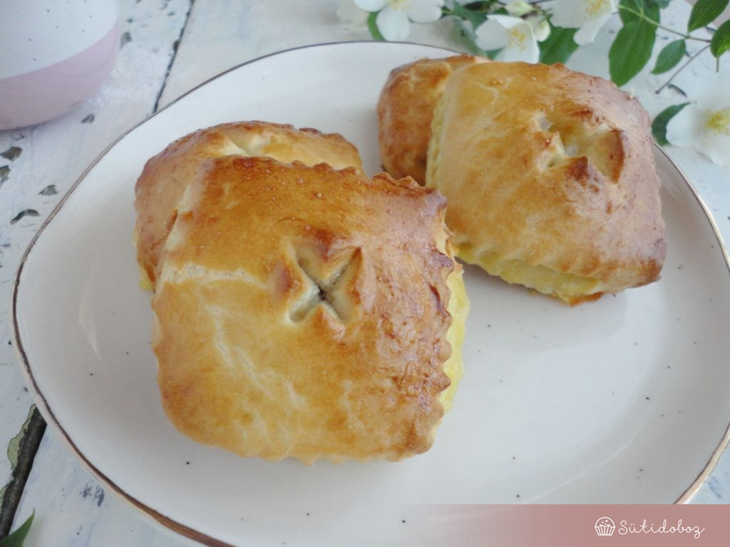 Rebarbarás-vaníliás mini pite